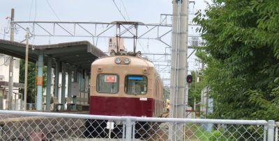 新宮茶色の電車_400
