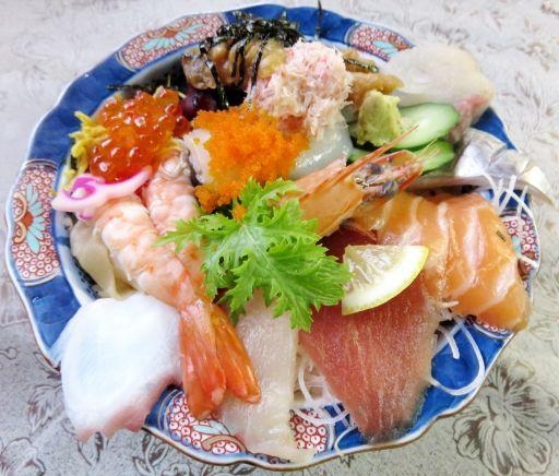 海彦海鮮丼_512